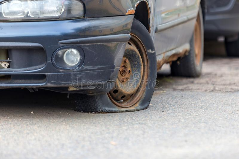 Flat Tire Images Download 4 852 Royalty Free Photos Page 8