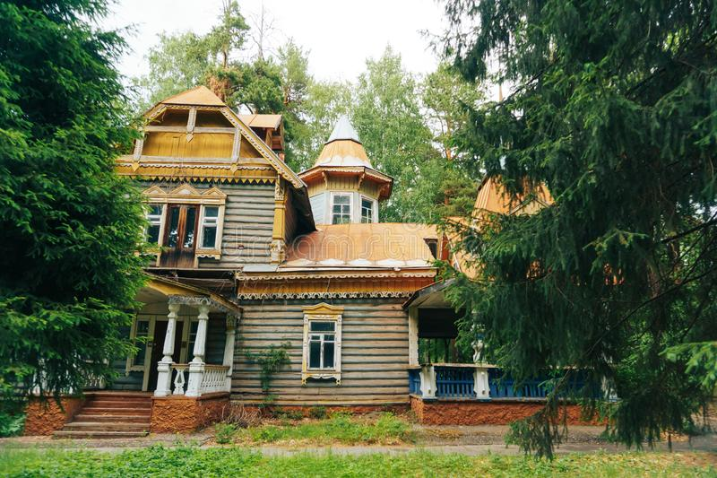 Old abandoned house in a summer forest. 1 stock images