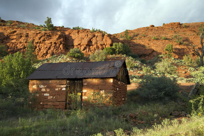 Download Old Adobe Cabin, Sedona, Arizona Stock Photo   Image Of Plant,  Scenic