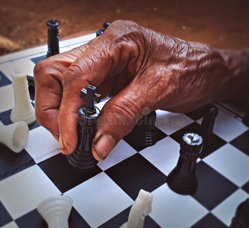 Free Old Age Woman Playing Chess. Royalty Free Stock Images - 171775279
