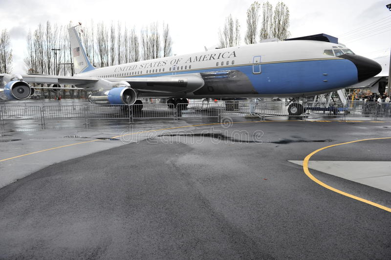 Download Old Air Force One editorial photo. Image of famous, museum - 22509361