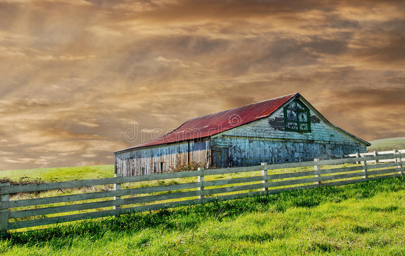 Download Old barn stock photo. Image of middle, vintage, grass - 20913160