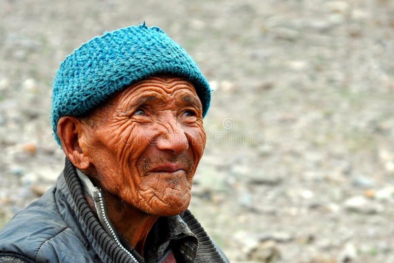 Old bedouin man from Ladakh (India) royalty free stock images