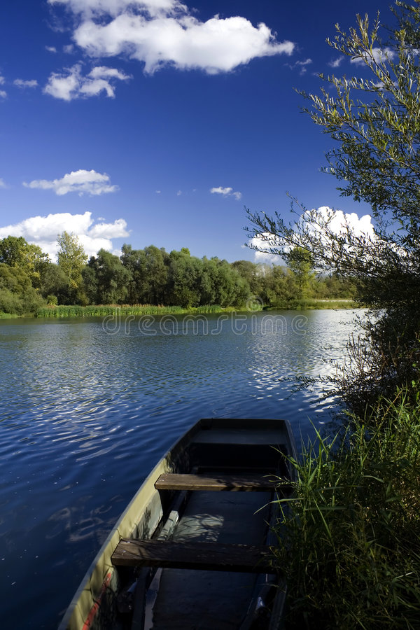 Free Old Boat On River Shore Stock Photography - 3361772