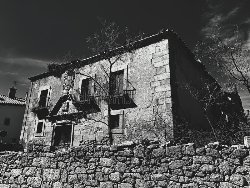 Old brick house. Old abandoned brick house in a village of Segovia royalty free stock photo