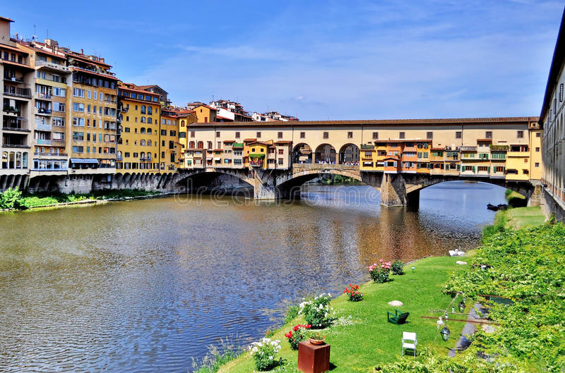 Ponte Vecchio and Arno River in Florence, Italy royalty free stock photos