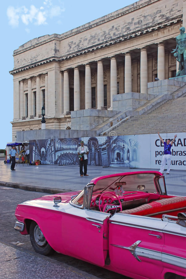 Free Old Bright Pink Convertible Classic Vintage Cuban Yank Tank Car In Front Of National Capitol Building, Havana, Cuba Stock Photo - 40327210