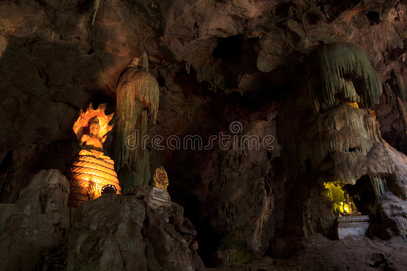 Old Buddha In A Cave Royalty Free Stock Image
