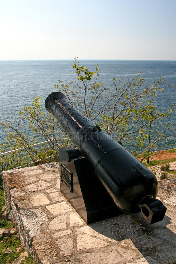 Free Old Cannon And The Sea In Rovinj Royalty Free Stock Photo - 21499655