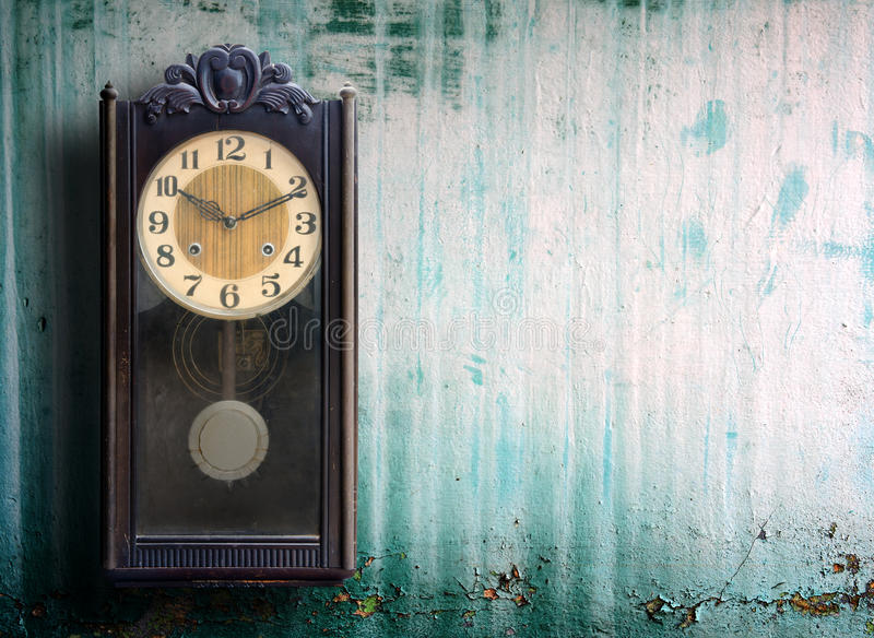 Old clock. On grunge wall royalty free stock photos
