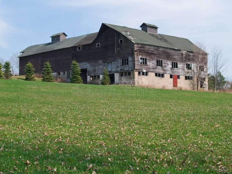 Download Old dilapidated barn stock photo. Image of grassy, barn - 5122428