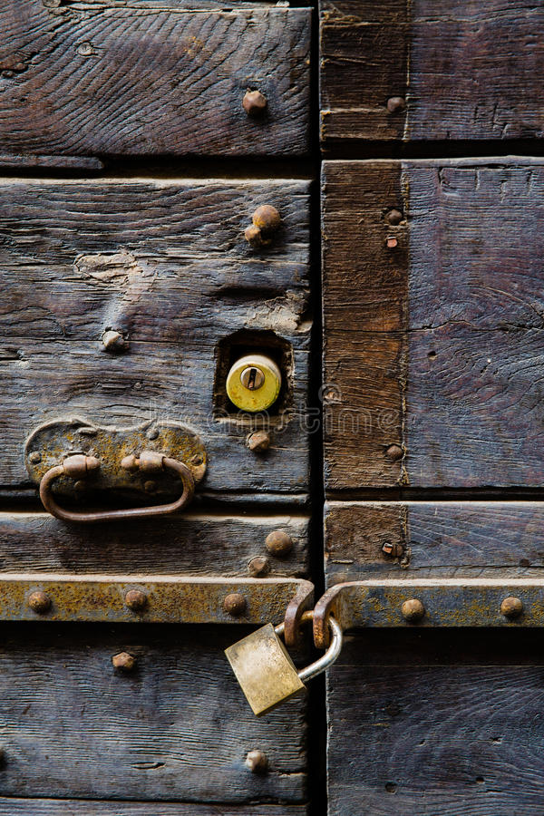 Free Old Door With Handle And Padlock Stock Photos - 42107193