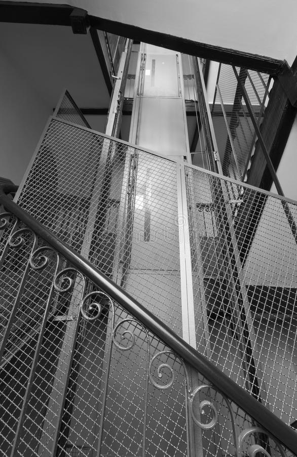 Free Old Elevator Shaft Royalty Free Stock Photos - 20886998