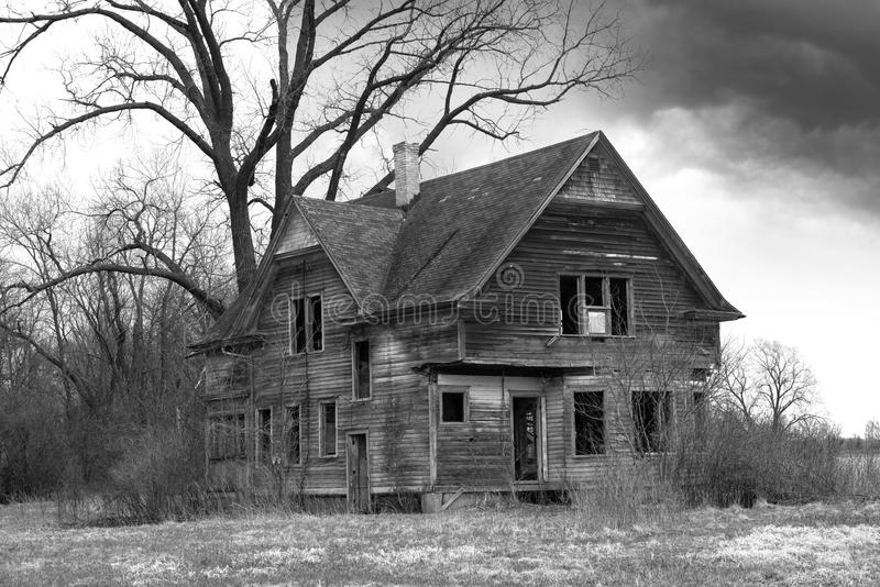 Old Farmhouse, Haunted House, Desolate stock photography
