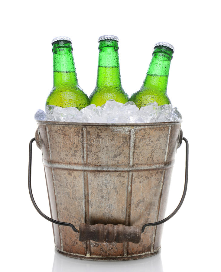 Free Old Fashioned Beer Bucket Royalty Free Stock Photos - 39852368