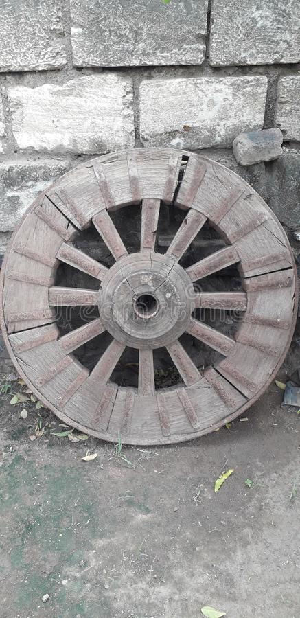 Old-fashioned horse carriage wheel jpg. - Image stock photography