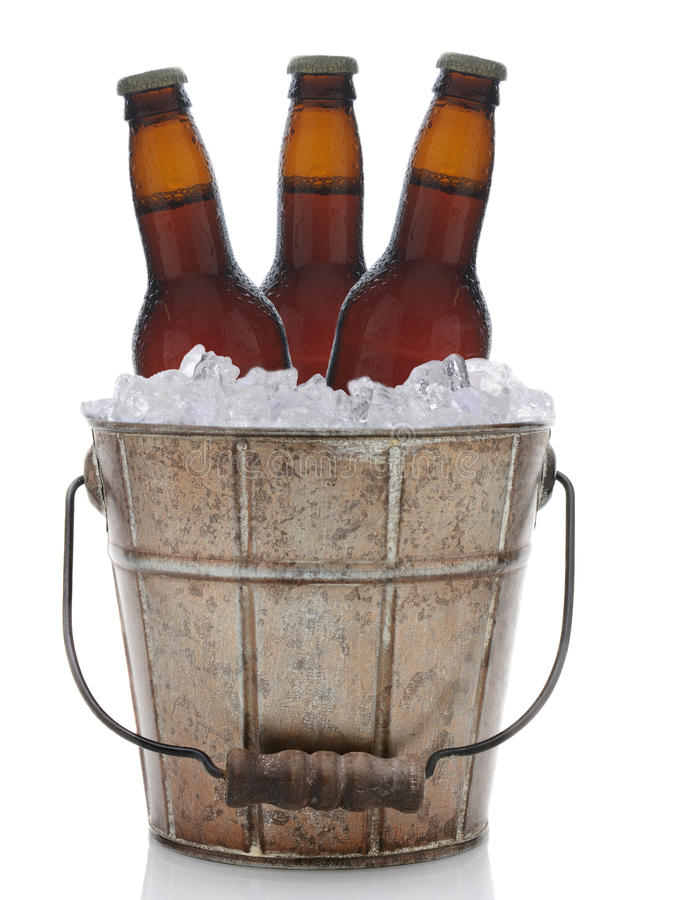 Free Old Fashioned Metal Beer Bucket Royalty Free Stock Images - 40057399