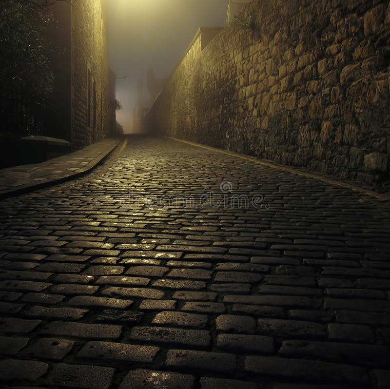 Free Old Foggy Street Royalty Free Stock Images - 27505309