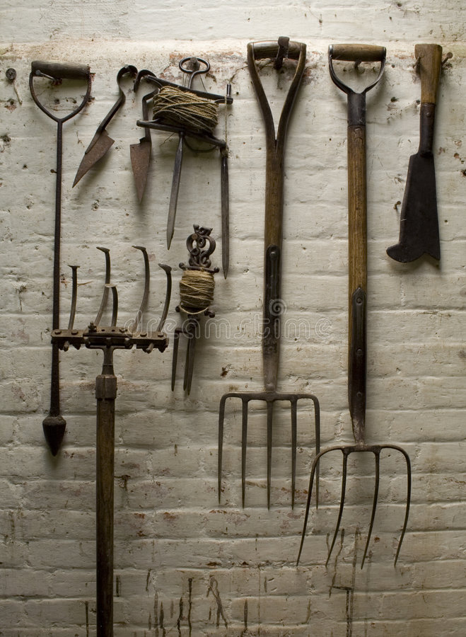 List of synonyms and antonyms of the word old garden tools for Gardening tools word search