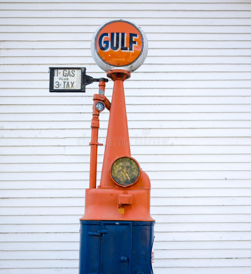 Old Gas Prices. A vintage gas pump for Gulf shows a price of 11 cents per gallon of gas plus a whooping 3 cents tax stock images