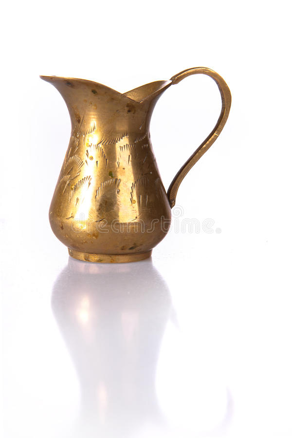 Free Old Golden Jug Royalty Free Stock Images - 17972259