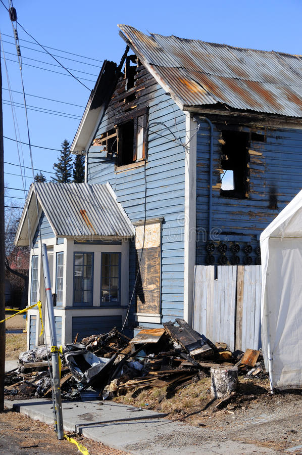Free Old Home Burned By Fire Stock Photography - 19344792
