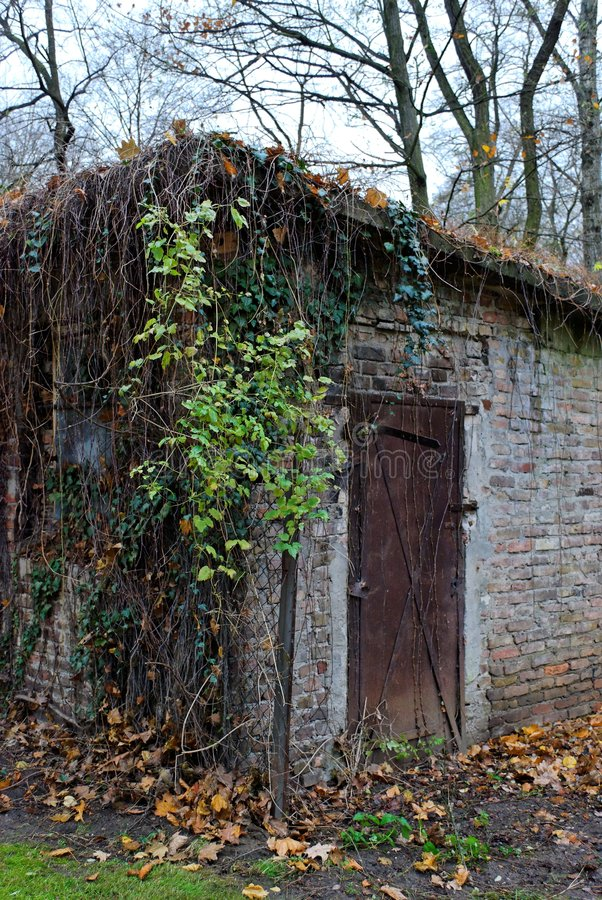 Download Old Hut In Tiergarten, Berlin Royalty Free Stock Photo - Image: 7210635