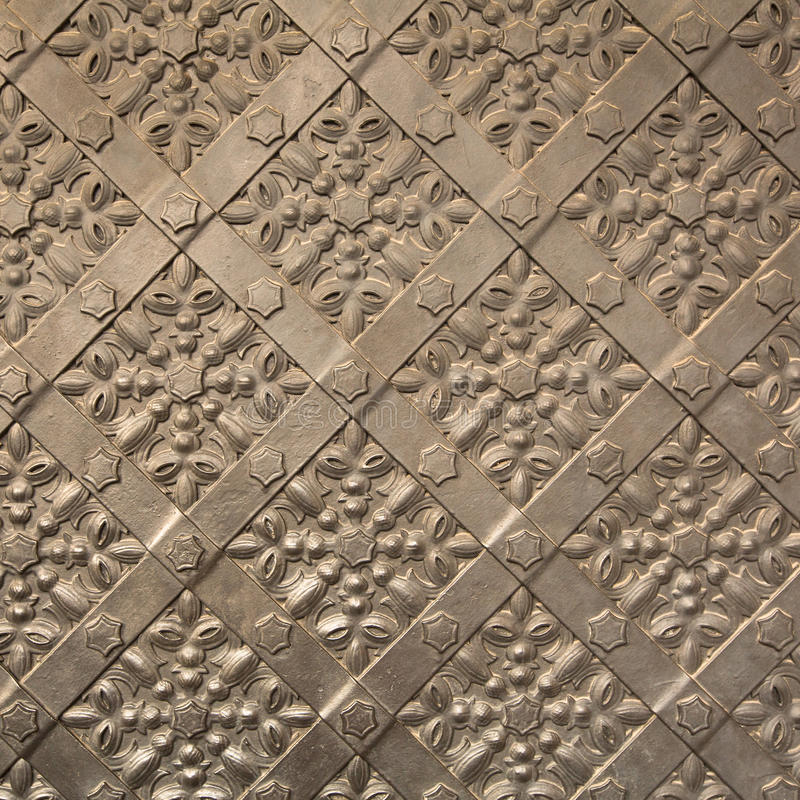 Free Old Iron Door Texture In Royal Wawel Castle, Krakow. Poland. Royalty Free Stock Photo - 39081195