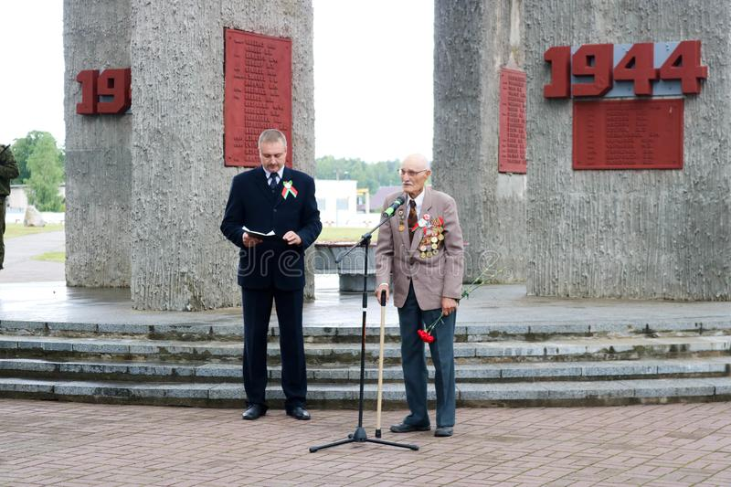 Old man grandfather veteran of World War II monument on the day of victory Moscow, Russia, 05.09.2018. stock images
