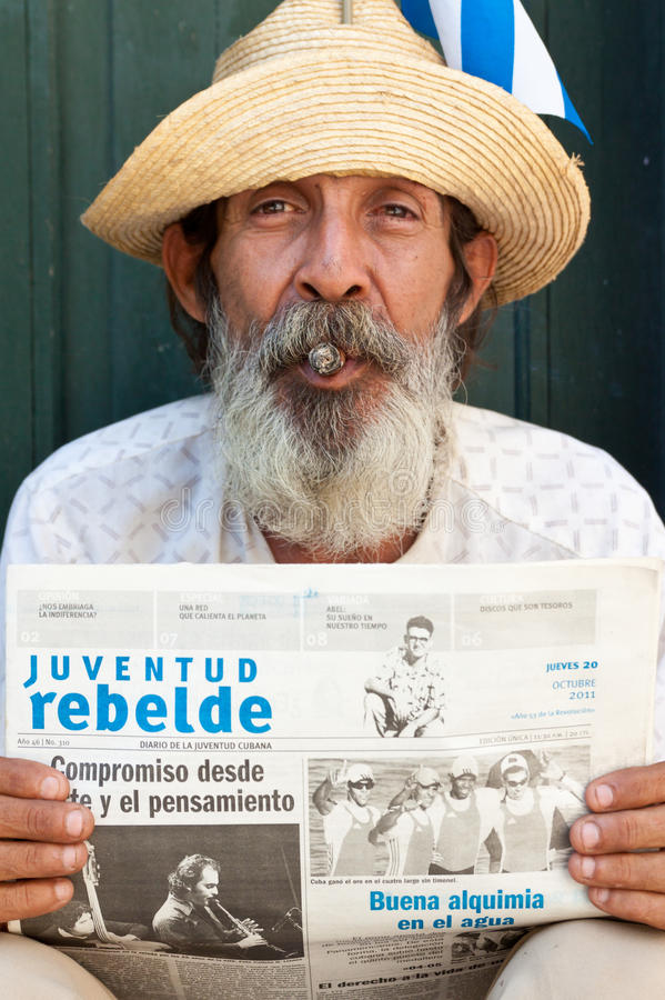 Download Old Man In Havana  With A Cuban Newspaper Editorial Stock Photo - Image: 21862008