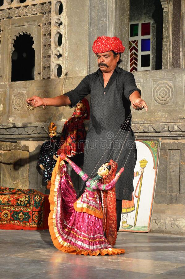 Free Old Man Showing Puppet Show In Udaipur, Rajasthan, India Royalty Free Stock Photo - 171179925