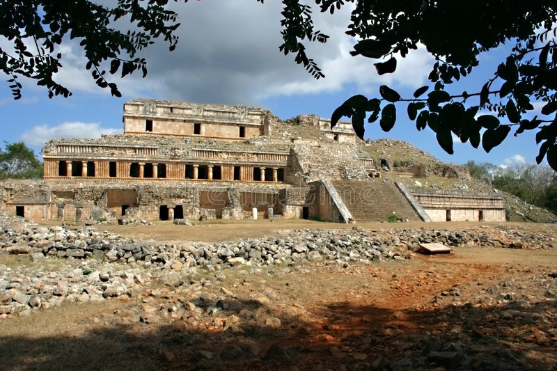 Download Old Mayan Building Royalty Free Stock Photography - Image: 516857