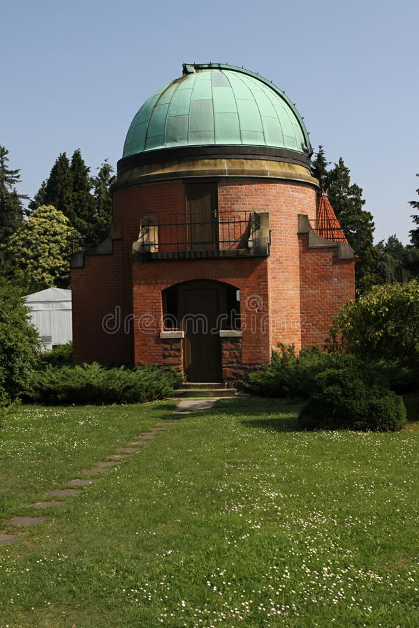 Free Old Observatory Stock Image - 35512141