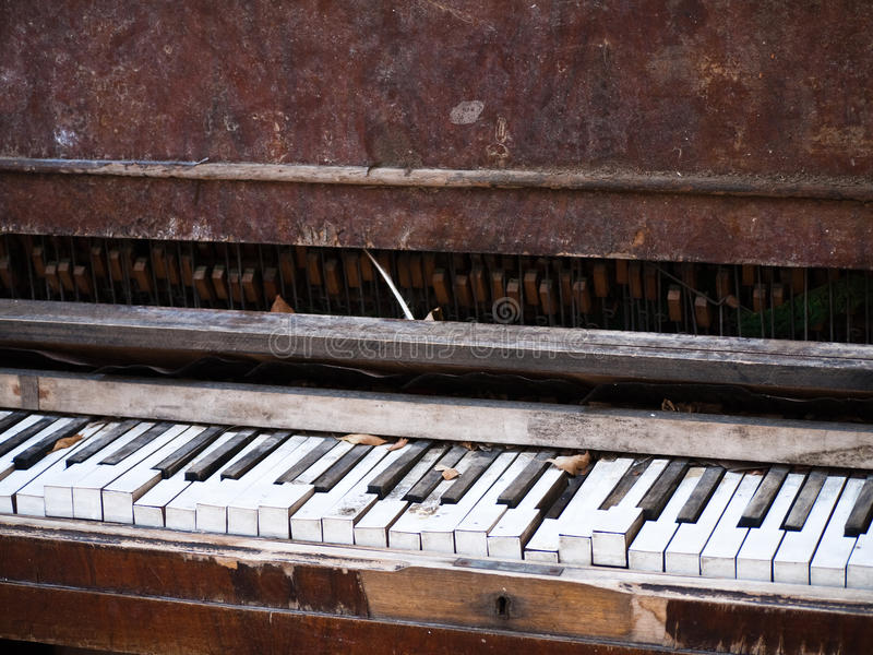 Download Old Piano In Need Of Repair Stock Image - Image: 13073541