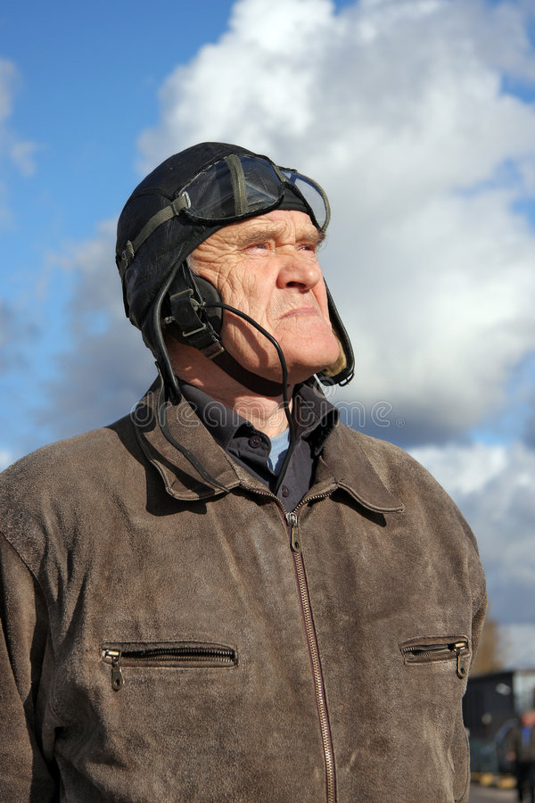 Download Old Pilot Looking To The Sky Stock Image - Image: 7696927