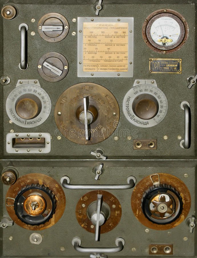 Download Old radio stock photo. Image of obsolete, retro, frequency - 18354504