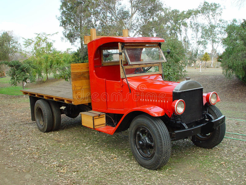 OLD RED TRUCK royalty free stock images