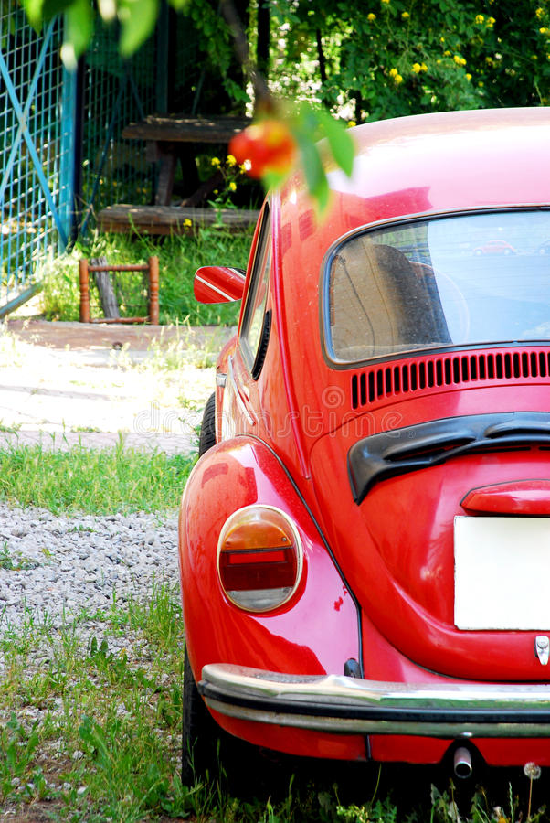 Free Old Red Volkswagen Beetle Car Royalty Free Stock Photos - 54347778