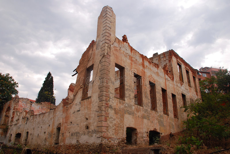 Download Old Ruined Building Royalty Free Stock Image - Image: 6450406