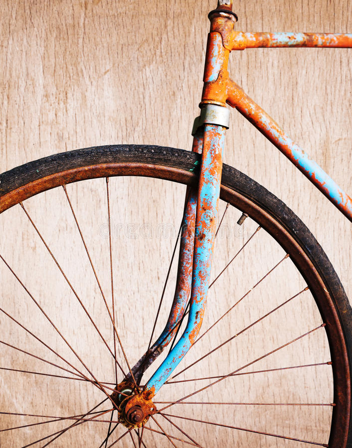 Free Old Rusty Bicycle Royalty Free Stock Photo - 30884565