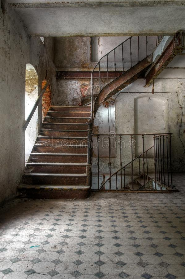 Free Old Staircase In An Abandoned Hall Stock Photos - 37569143