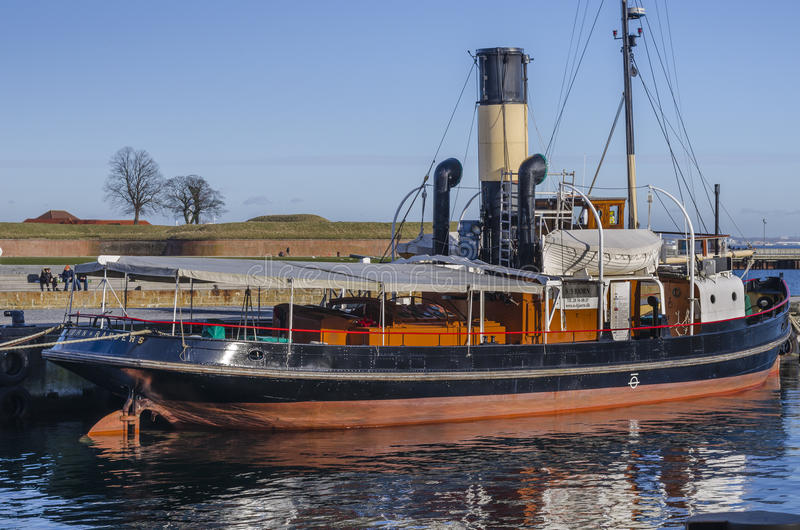 Old Steam Boat Docked In The Harbour Editorial Photo - Image of cabin, engine: 51420116