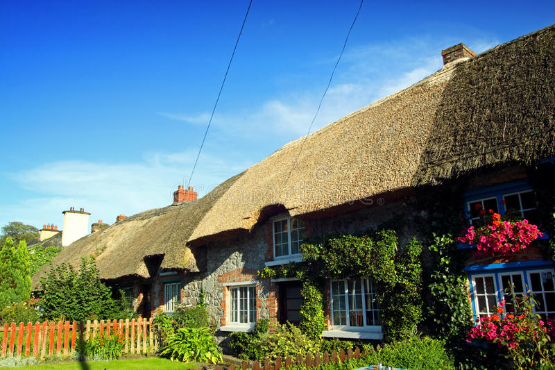 Download Old Style Irish Cottage Adare Co. Limerick Stock Photo - Image: 21052794