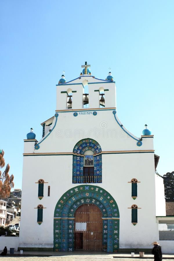 Old Templo de San Juan Bautista, Chamula, il Chiapas, Messico fotografia stock