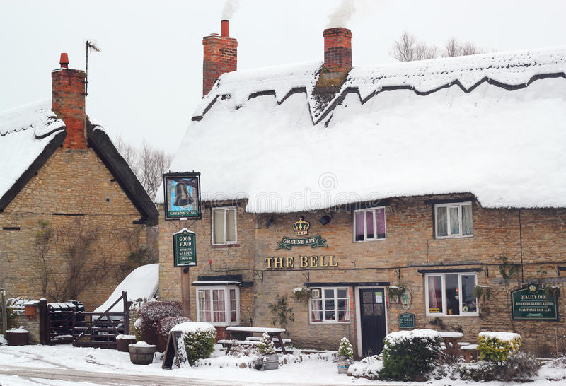 Download Old Thatched Public House In The Snow. Editorial Photography - Image: 28727472