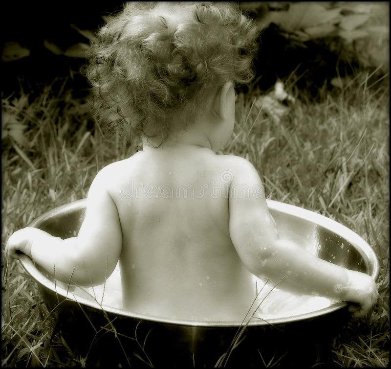 Free Old Time Baby Bath Royalty Free Stock Photo - 43105