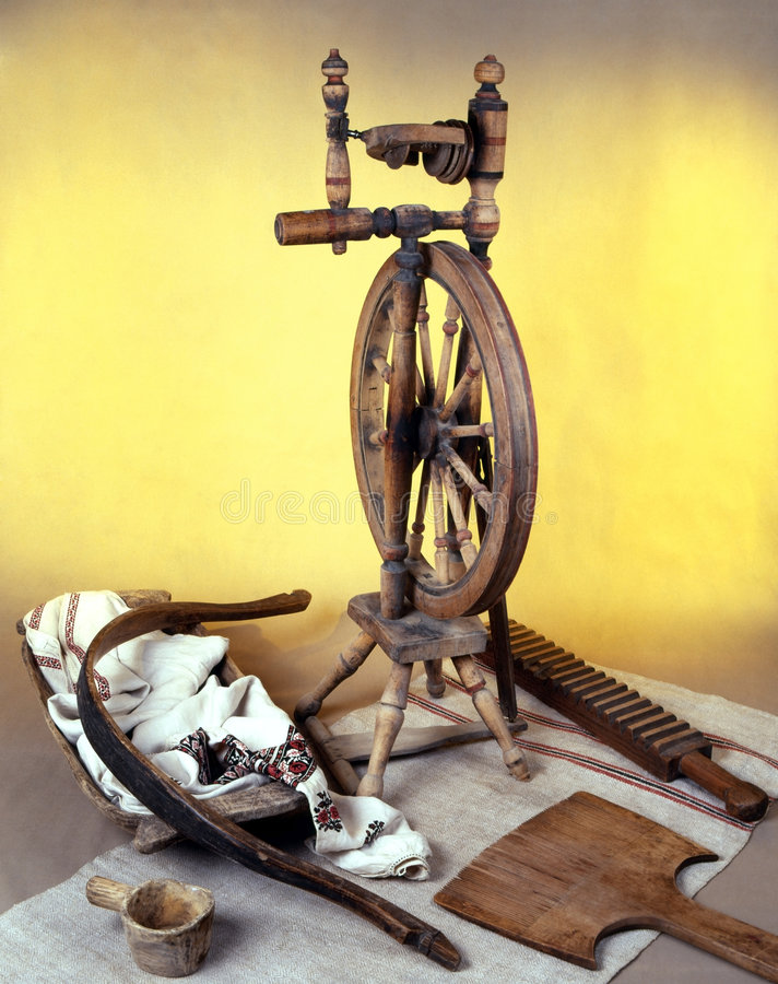 Free Old-time Spinning Wheel Royalty Free Stock Photography - 5473167