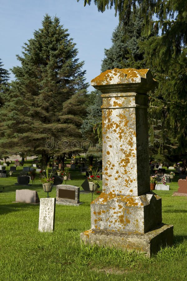 Download Old Tombstone stock photo. Image of headstone, scary - 20764078