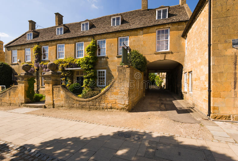 Old town house. With gateway. High street of Broadway, Cotswolds,Worcestershire, UK stock photo