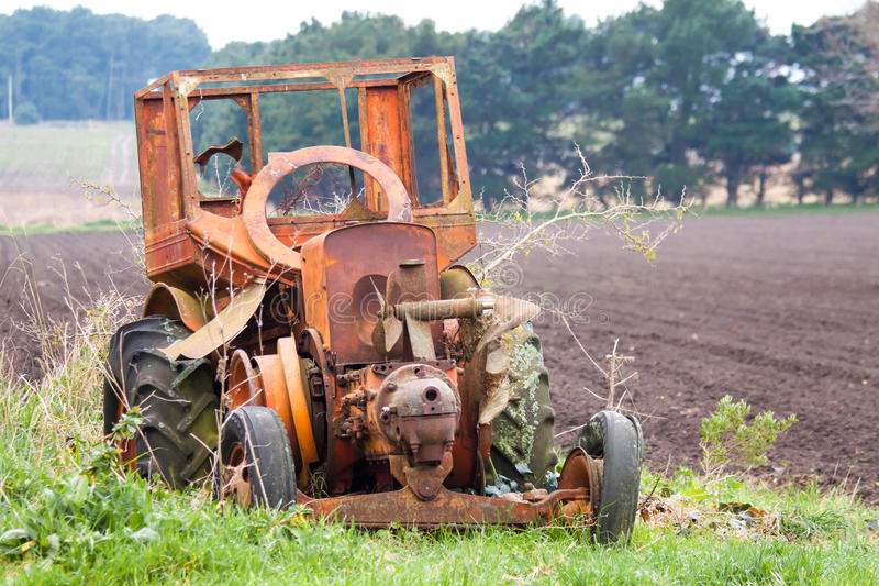 Download Old tractor stock photo. Image of kentucky, fashioned - 26165250